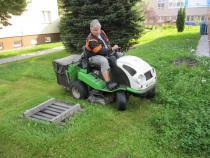 sečení travnatých ploch